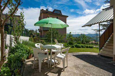 Maison de vacances de Cupramontana avec un jardin meublé et un barbecue