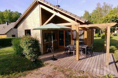 Charmante maison de vacances numéro 11 à Signy-le-Petit avec terrasse couverte