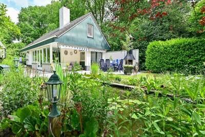 Maison de vacances isolée à Reutum avec jardin
