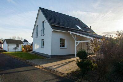 Maison de vacances indépendante à Winterberg-Langewiese, avec poêle à bois et carport