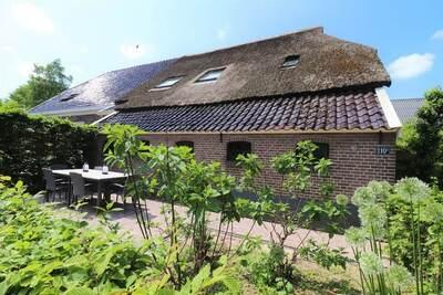 Grande ferme à Dalerveen avec une belle terrasse
