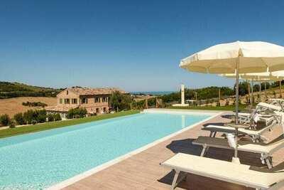 Magnifique maison de vacances à Fermo à courte distance de la mer