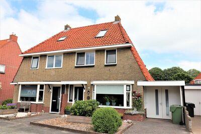 Maison de vacances avec terrasse ensoleillée, située près du centre de Franeker