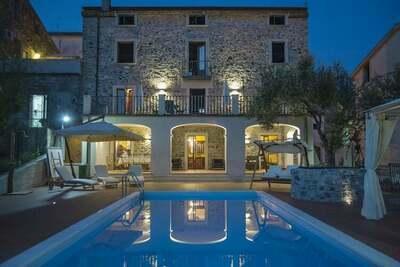 Maison de vacances de bon goût à Vibonati avec piscine privée