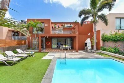 Villa confortable avec piscine privée et jardin