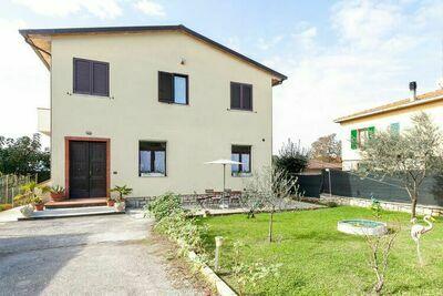 Maison de vacances ensoleillée à Santa Maria avec piscine privée