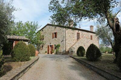 Maison de vacances à San Casciano dei Bagni avec piscine