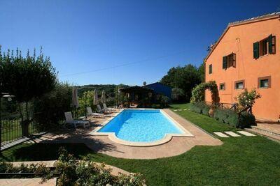 Maison de vacances à Monteroberto avec piscine privée