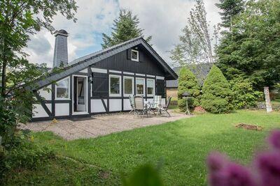 Maison de vacances adaptée aux enfants, située au calme à Winterberg-Langewiese