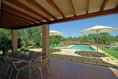 Superbe maison de campagne majorquine dans un quartier calme avec piscine privée