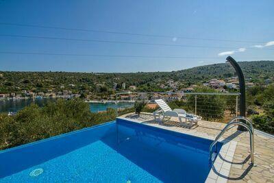 Villa confortable avec piscine privée, vue mer sur l'île de Drvenik Veli