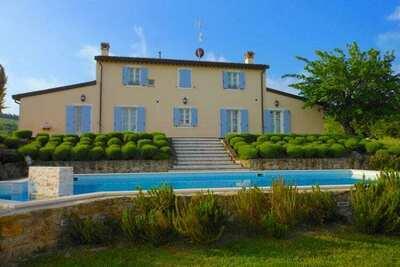 Maison de vacances cosy avec piscine à Fiumana en Italie