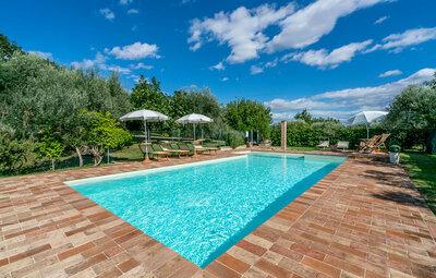 Villa dei Girasoli, Maison 10 personnes à Petriolo MC