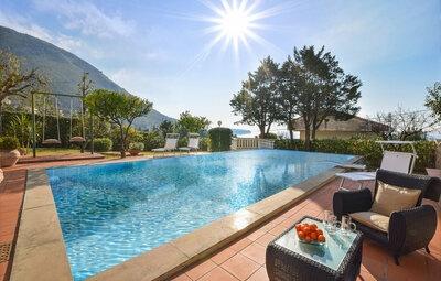 Villa Kunterbunt, Maison 16 personnes à Praia a Mare