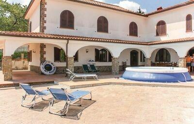 Villa Bruna, Maison 14 personnes à Mercato Cilento  SA