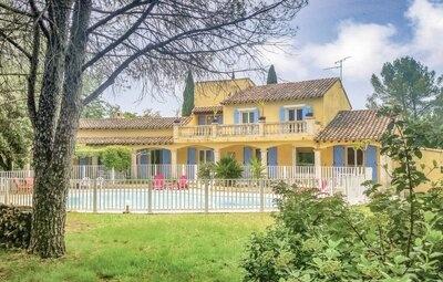 Maison 10 personnes à Villetelle