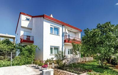 Maison 9 personnes à Novi Vinodolski