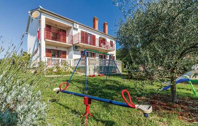 Maison 10 personnes à Segotici