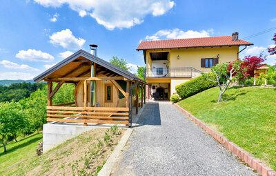 Maison 6 personnes à Adamovec