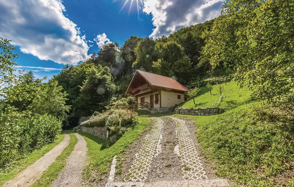 Location Maison à Lukovdol - Photo 0 / 30