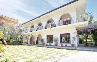 Villa Teti, Maison 13 personnes à Stalettì