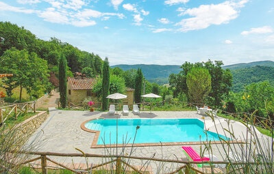 Maison 10 personnes à Ortignano Raggiolo