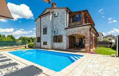 Maison 10 personnes à Cabrunici
