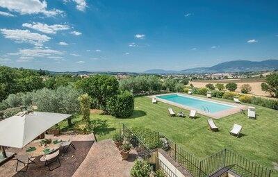 Villa Collerisana, Maison 9 personnes à Spoleto