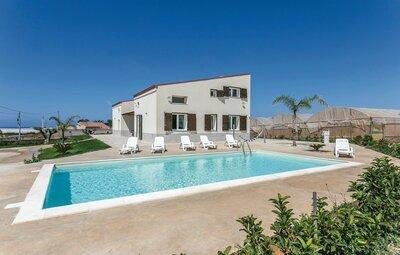 Villa Marzia, Maison 13 personnes à Marina di Ragusa