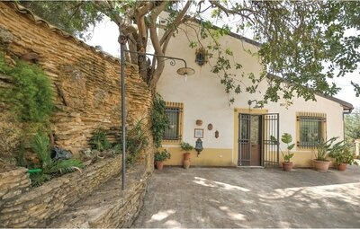 Villa Carrubbo, Maison 6 personnes à Pietraperzia
