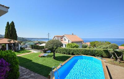 Villa Capri, Maison 15 personnes à Praia a Mare CS