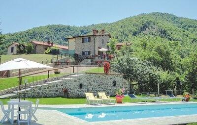 Casa Laura, Maison 10 personnes à Ortignano Raggiolo AR