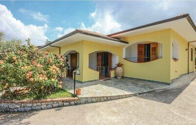 Villa Angela, Maison 6 personnes à Perdifumo (SA)