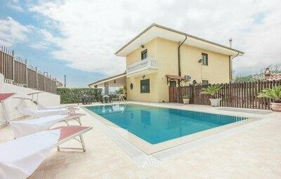Villa Graziella, Maison 7 personnes à Torre Orsaia SA
