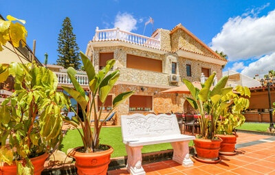 Maison 15 personnes à Benajarafe