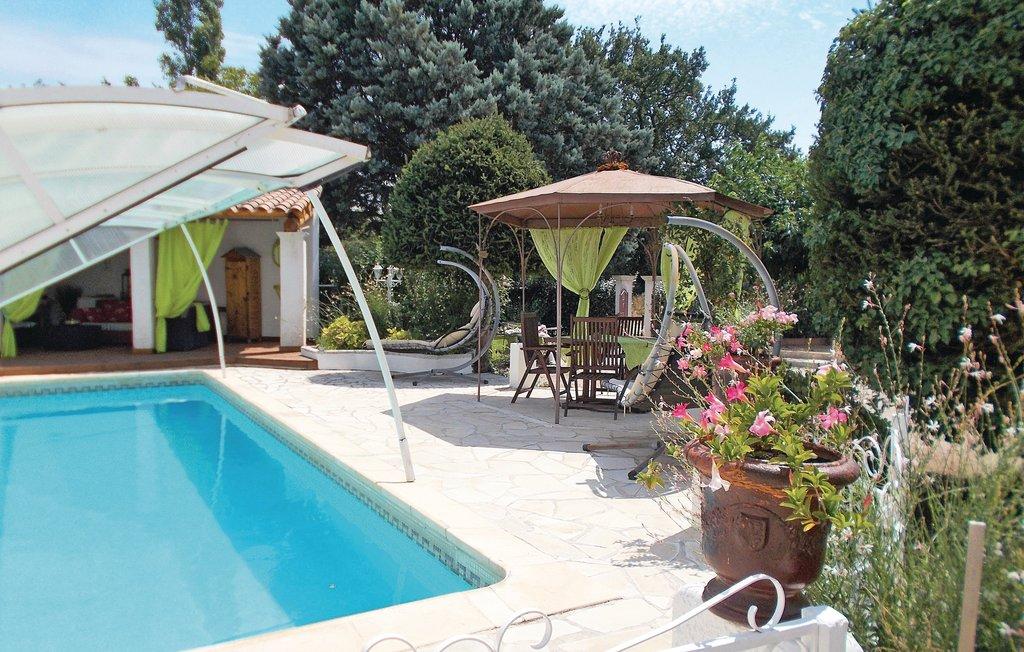 Location Maison à Carpentras - Photo 0 / 27