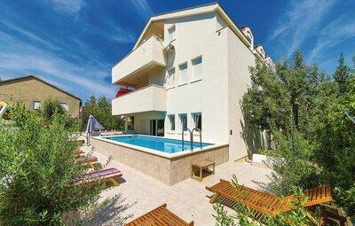 Maison 12 personnes à Kastel Stari