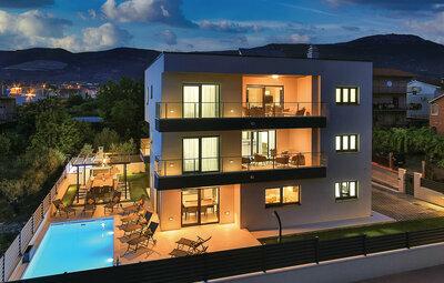 Maison 16 personnes à Kastel Novi