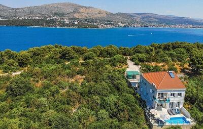 Maison 12 personnes à Okrug Donji