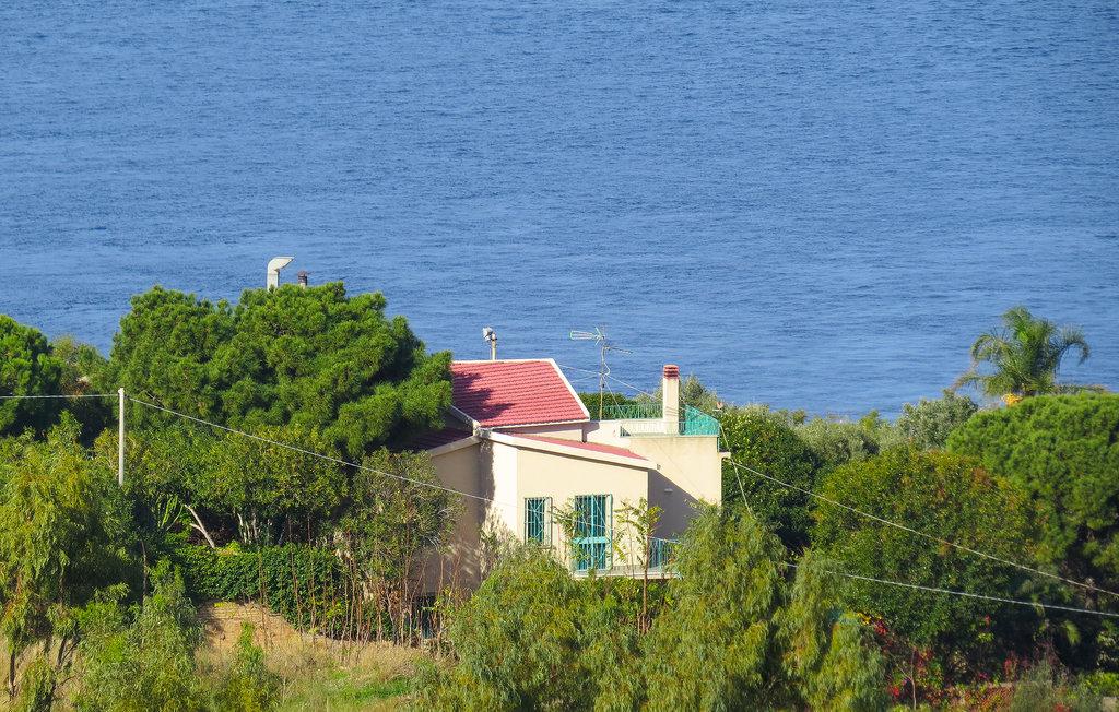 Location Maison à Villa San Giovanni - Photo 0 / 18
