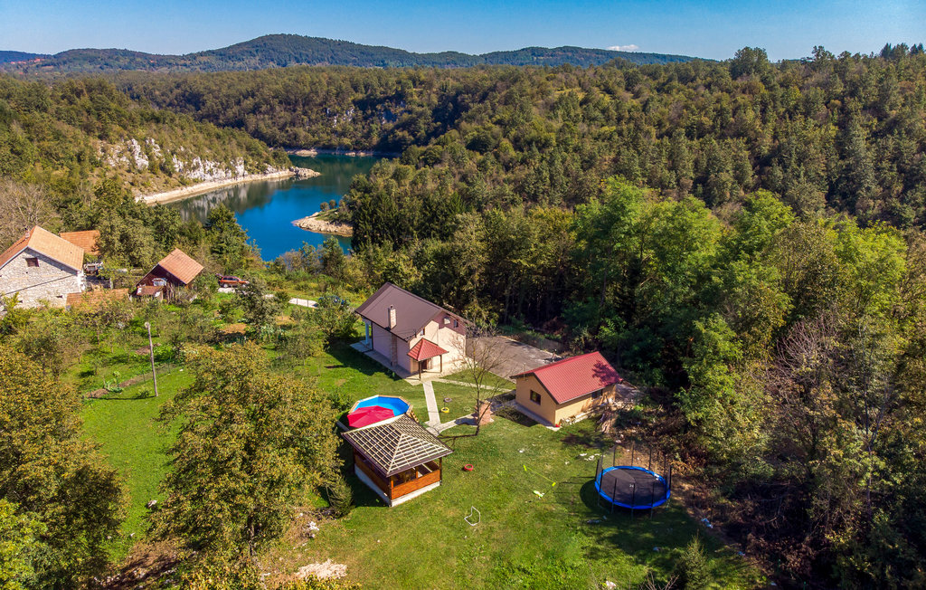 Location Maison à Bosiljevo - Photo 0 / 38