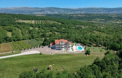 Maison 15 personnes à Hrvace