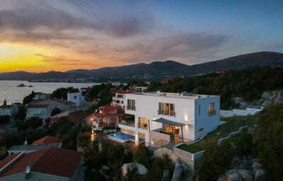 Maison 10 personnes à Okrug Donji