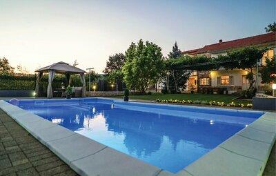 Maison 12 personnes à Vinjani Donji