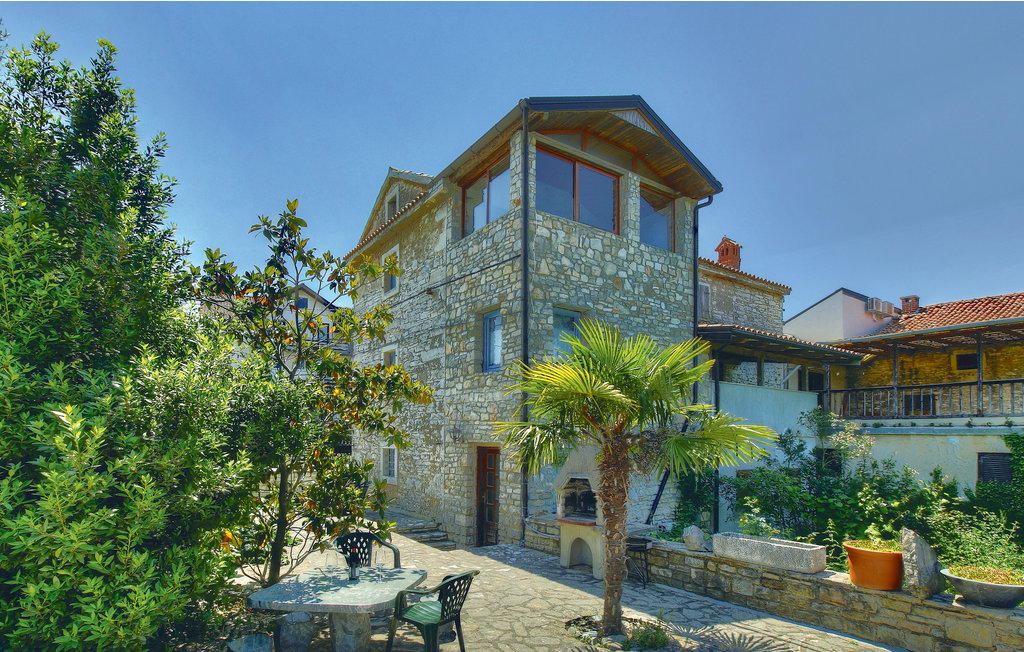 Location Maison à Kastel - Photo 0 / 30