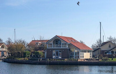 It Soal Waterpark-Waterlelie I