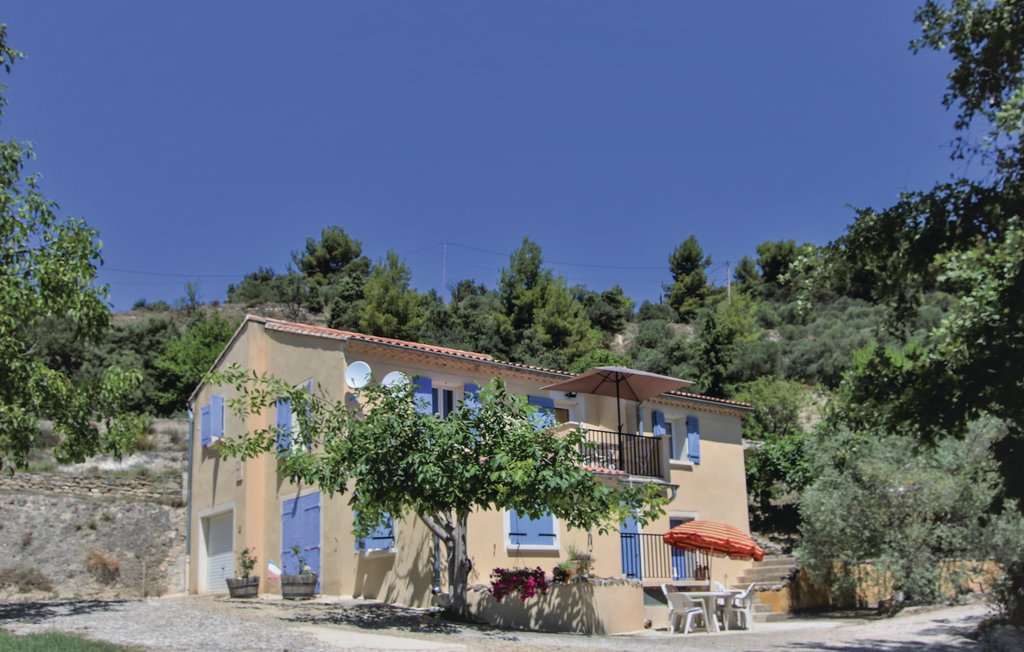 Location Maison à Mormoiron - Photo 0 / 25