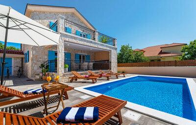 Maison 8 personnes à Privlaka