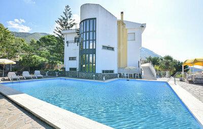 Villa Adriana, Maison 12 personnes à Praia a Mare