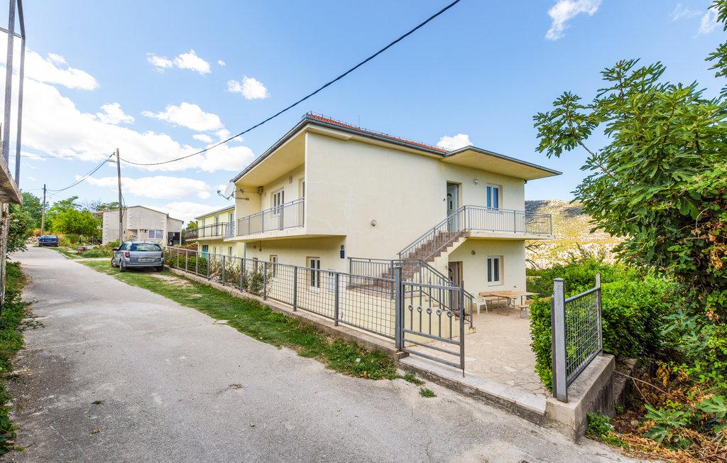 Location Maison à Kucice - Photo 0 / 30